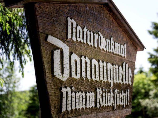 """Naturdenkmal Donauquelle """"Nimm Rücksicht"""""""