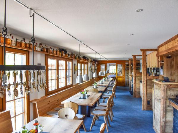 Unser Gastraum verbindet Tradition mit Moderne