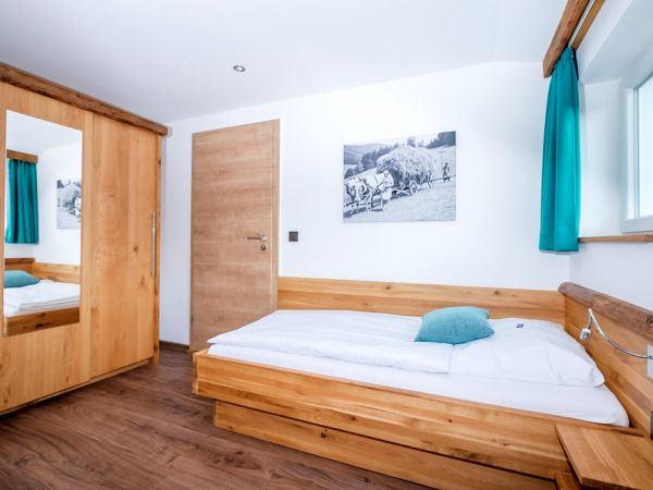 Schlafraum mit zwei Einzelbetten (Kinderzimmer)