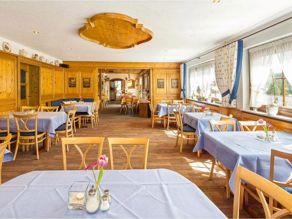 Restaurant mit separatem Stüble für insgesamt 80 Gäste
