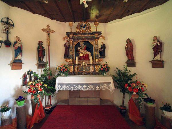 Der Altar in der historischen Martinskapelle