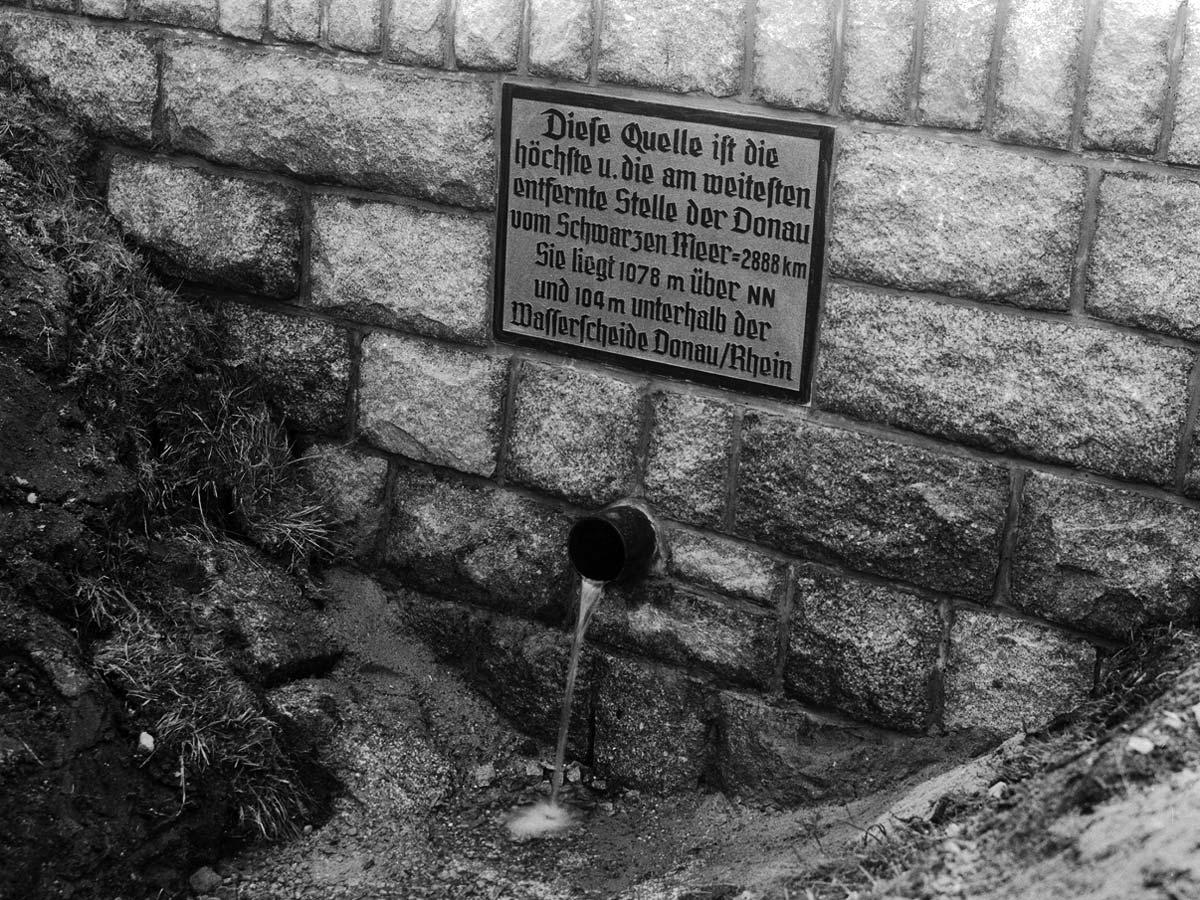 Kolmenhof Donauquelle Spruch